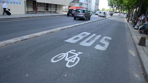 When can you drive in a bus lane?