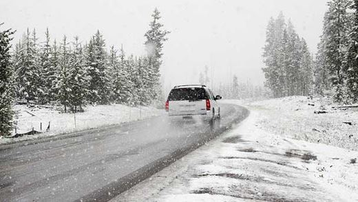 Does 4 Wheel Drive Help On Ice and Snow